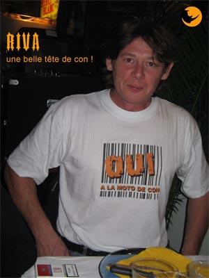 RIVA confirme l'inion de son tee shirt en roulant sur une GSXR, un exemple a ne pas suivre, bises ma poule